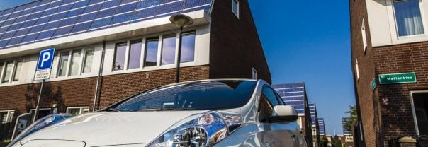 Living-Lab-Smart-Charging_Nissan-Leaf-in-PV-woonwijk-Amersfoort_Foto-Rob-Voss_17-604x208